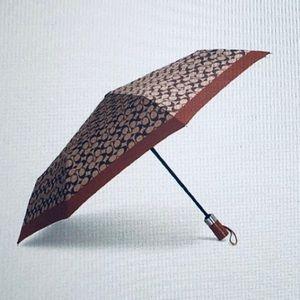 Nwt Coach Signature umbrella
